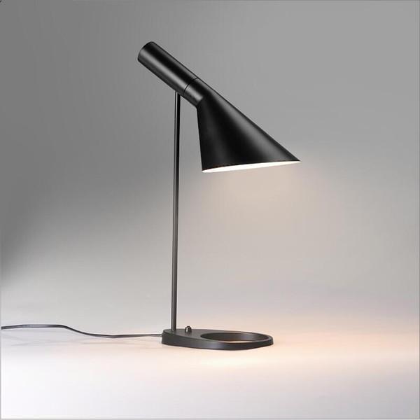 Preto branco Louis Poulsen Arne Jacobsen Candeeiro de mesa Europa AJ preto ferro Lâmpada de mesa Café Corredor Hall E27 LED de metal branco ler lâmpada