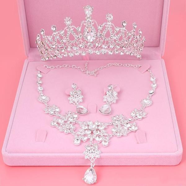 2019 Cheap Drop Rhinestone Wedding Jewelry Set Necklace Crown Tiaras Crown Earrings Headwear Beading Three Piece Party Bridal Accessories