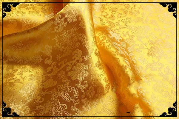 Dragon d'or fond d'or foncé