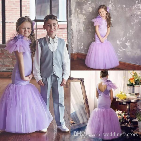 Flower Girl Dresses Lilac Jewel Neck Sleeveless Fit and Flare Trumpet Kids Formal Gowns for Wedding Party with Flower