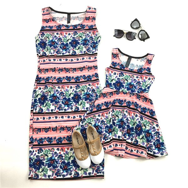 Mommy and Me Clothes Summer Sleeveless Floral Dresses Family Look Vintage Cotton Dresses Mother and Daughter Clothes H0103