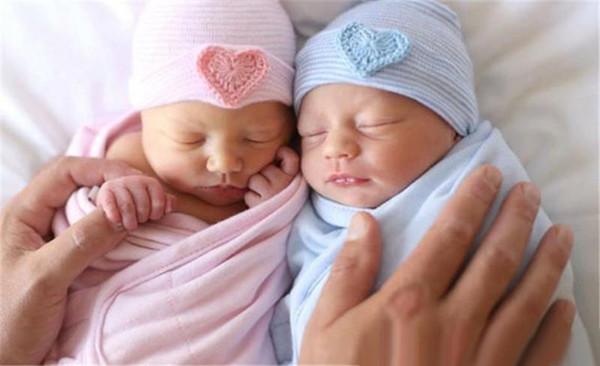 Europe Newborn Baby Hats Infant Kids Winter Warm Stripe Cotton Caps Beanie Heart Shape Decor Unisex Baby Hair Accessories Head Wraps