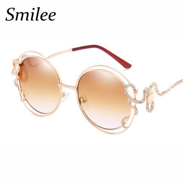 Rodada retro óculos de sol mulheres big frame duplo círculo oco óculos de  sol elegante redemoinho cobra cristal de ouro óculos de sol sexy preto ecc7792725