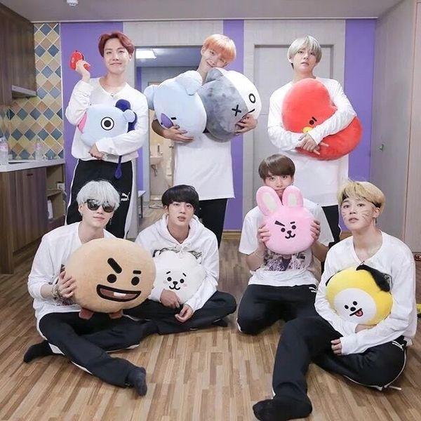 Bangtan Boys BTS BTS del cuscino del giocattolo 21 vApp Kpop Bolster Q retro della bambola della peluche Emoji TATA COOKY Chimmy Shooky KOYA RJ MANG