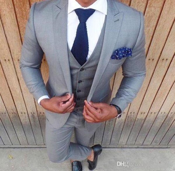 2018 Men Suits Grey Custom Made Wedding Suits Groom Best Man Bridegroom Business Suits Slim Fit Casual Tailored Tuxedos Blazer Prom 3 Pieces