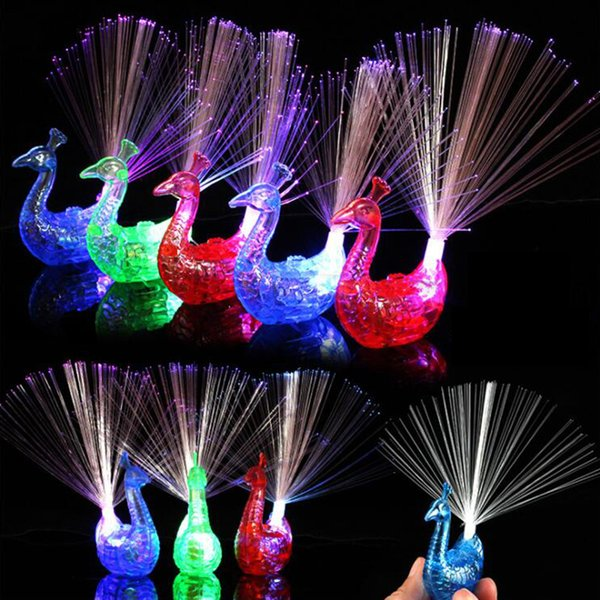 Flash LED Light-up Anelli Peacock Finger Light Gadget per bambini Kids Toy intelligente per il regalo di Natale Party Night Market Selling
