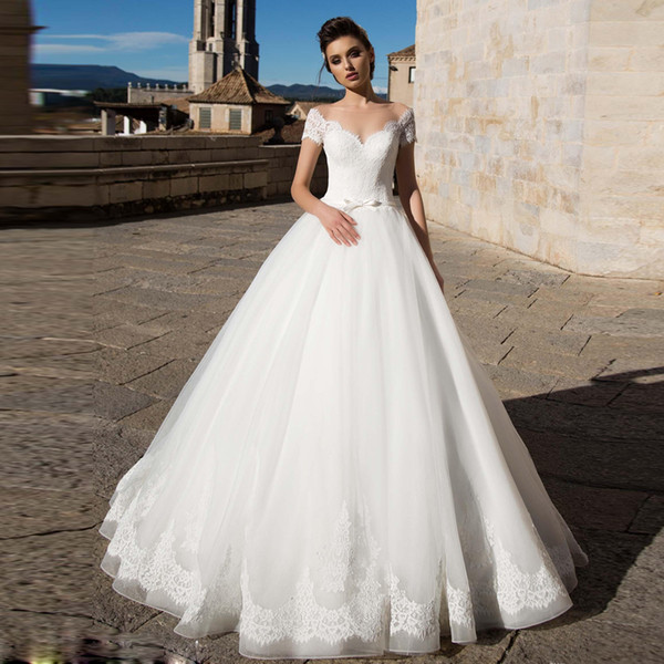 Elegant Puffy Skirt Tulle Wedding Dresses Sheer Neck Short Sleeve Lace Appliques Ribbon Sash Country Wedding Gown Court Train Bridal Dress