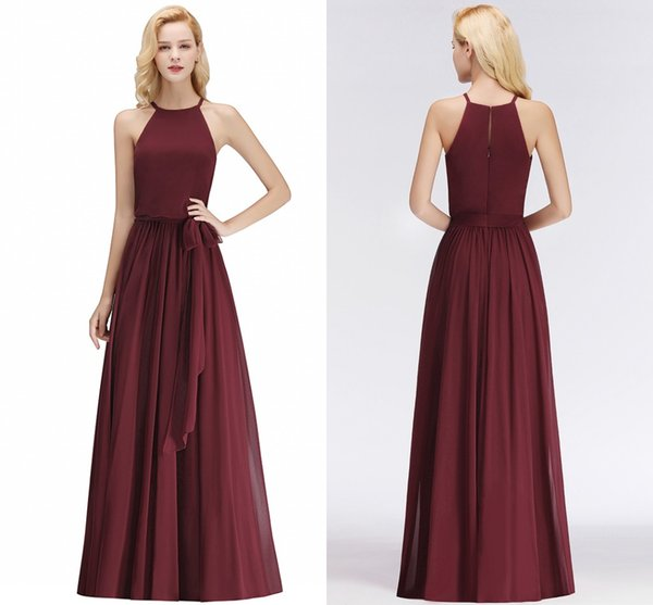 Borgoña 2018 Vestidos baratos de dama de honor Sexy Halter Neck longitud del piso plisados Wedding Guest Dress Maid of Honor vestidos de 34 colores BM0035