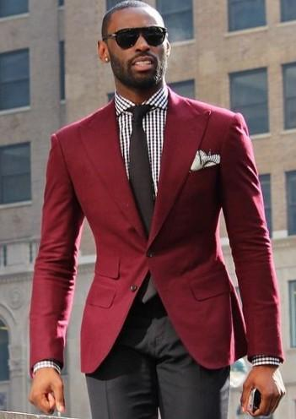 Cool Wine Groomsmen Peak Lapel Two Buttons (Jacket+Pants+Tie) Groom Tuxedos Groomsmen Best Man Suit Mens Wedding Suits Bridegroom