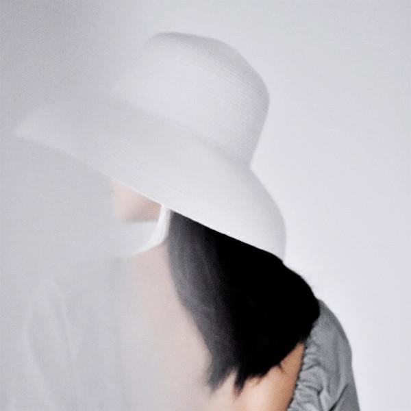 La MaxPa  Sombrero de paja de verano para mujeres 2018 Moda elegante dama  de ala ancha Floppy Beach Visera femenina sombrero para el sol S18101708 563d1be8f03
