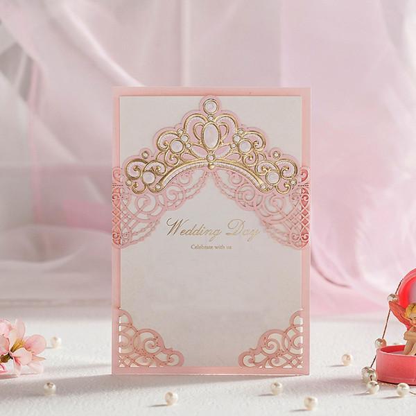 QuevinalRoyal Pembe Lazer Kesim Düğün Davetiyeleri Kartları Ile Altın Kabartmalı Hollow Flora Tasarım Gelin Duş için Ücretsiz Özelleştirilmiş