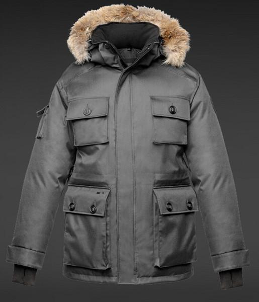 Wholesale 2018 Men Winter Jackets Coats Warm Down Parkas Outdoor Hooded Coats Mens Thick Fur White Goose Downs Parkas Famous Brand 4 Colors