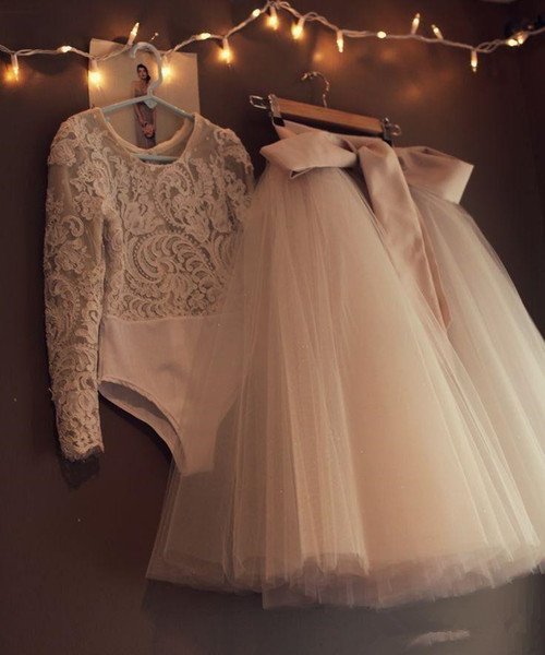 top popular Cheap Long Sleeves Lace Flower Girls Dresses Two Pieces Tulle Lovely Little Kids Skirts Tea Length Princess Communion Birthday Gowns 2021
