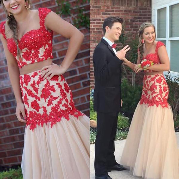 Vestidos de fiesta Vestido de champán envuelto en forma de corazón con aplique rojo conjunto de dos piezas cola de pescado envuelto vestido de cadera correo personalizado