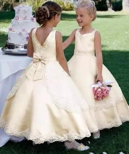 Daffodil Scoop Neck A Line Satin Flower Girl Dresses Lace Appliqued Little Girls Pageant First Communion Gown for Teens Kids Formal Wear