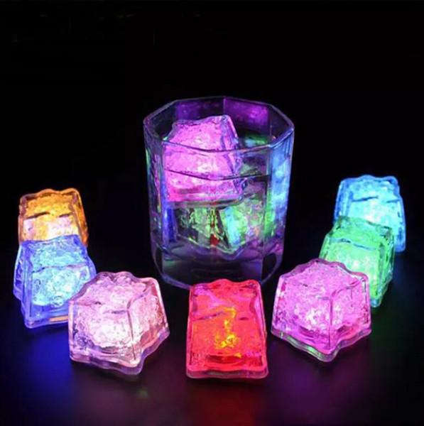 Lumières à led Polychrome Flash Party Lights LED Glowing Glaçons Cubes De Glace Clignotants Allument Décoration de Fête
