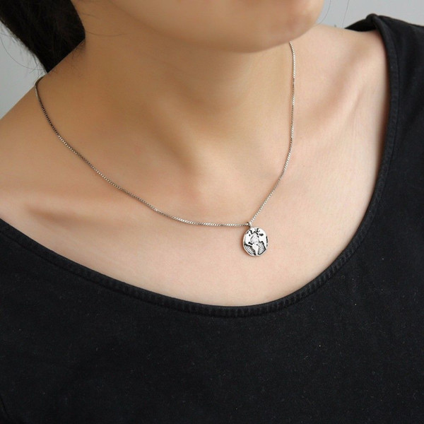 Wholesale Antique Silver Globe World Map Necklace High quality box chain necklace Choker Necklace Personality Graduation gift Earth Jewelry