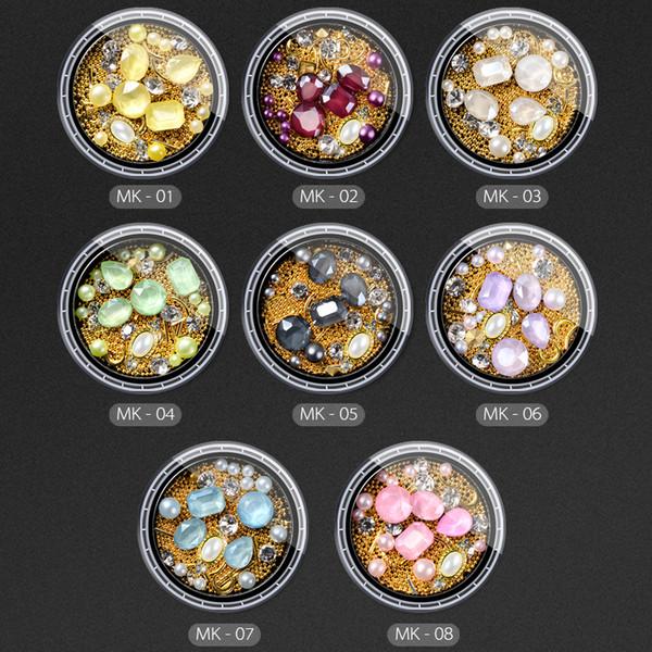 1 Pot Mix Nail Art Decoraciones Golden Beads Moon Hollow Triángulo Marco Studs 3D Manicure Crystal Diamond Pearls Nueva DIY Llegada