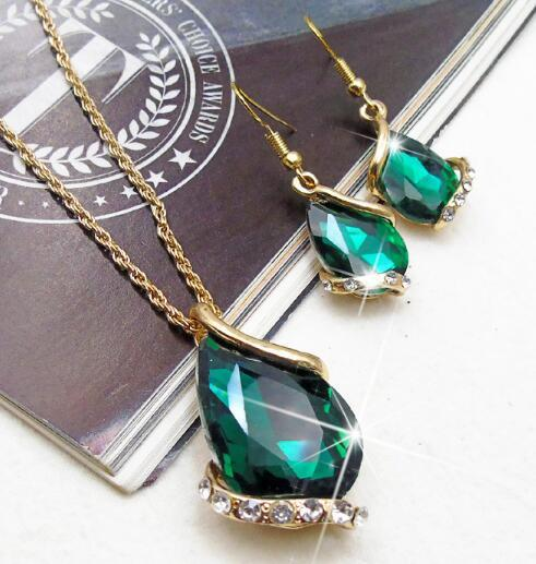 Hot Style Crystal glass polygonal drop diamond European and American set necklace earrings set fashion classic exquisite elegance