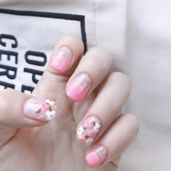 Princess style Girl fall in love Pink pure color with flower pattern fake nails bride cute false nails short size full nail tips