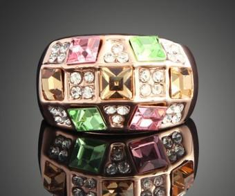 Les femmes de la mode robe alliage bijoux rose cristaux d'or diamant bague en diamant reine fête de Noël cadeau fête