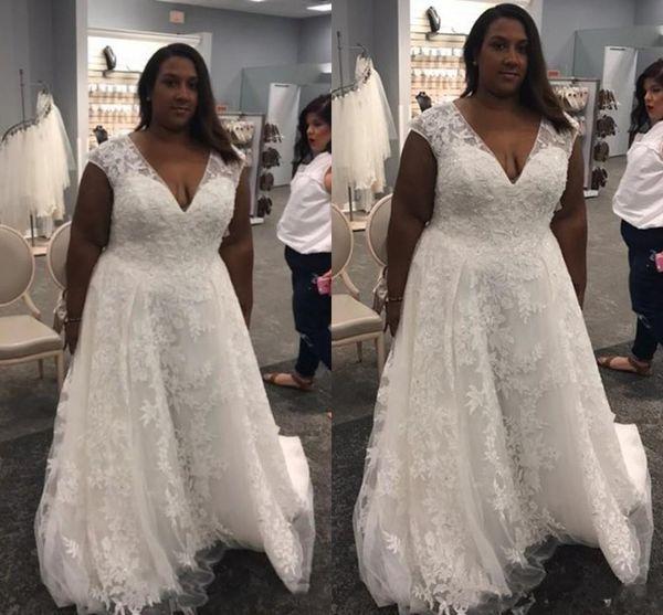 Cheap Plus Size Wedding Dresses V Neck Lace Appliques Sleeveless robe de mariée Lace Up Sweep Train A Line Bridal Wedding Gowns