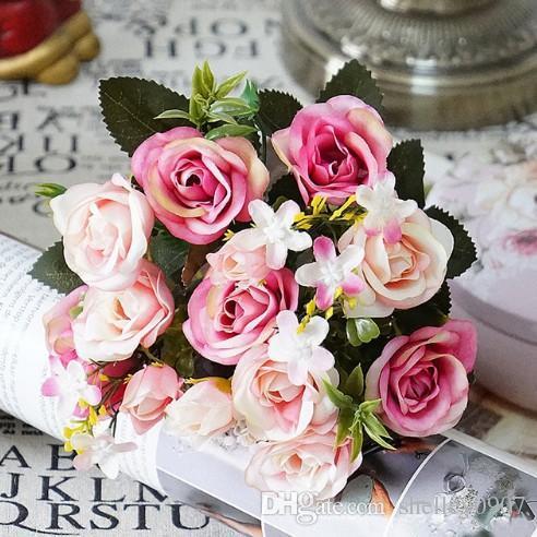 Fiori artificiali 13 teste / cluster piccola gemma di seta rose fiori di simulazione, foglie verdi vasi casa autunno decorare per il matrimonio