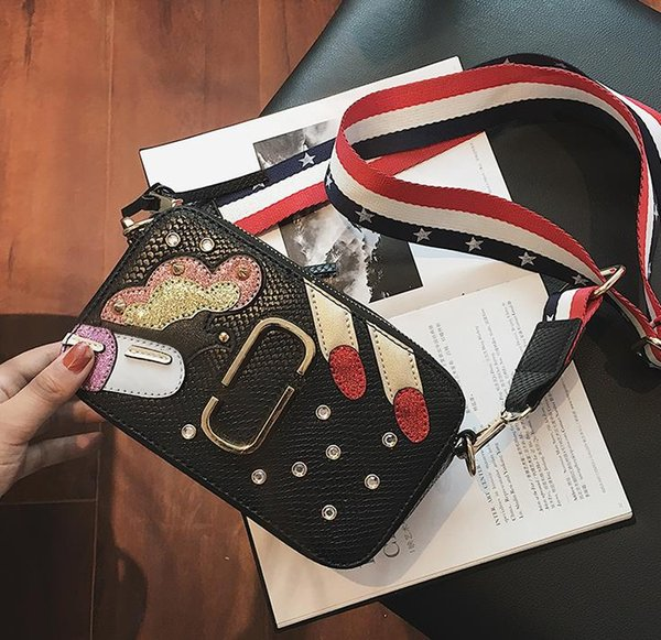 Small bag 2018 new Chaohan fashion wide shoulder straps single shoulder camera woman bag slanting over Xiao Fang bag