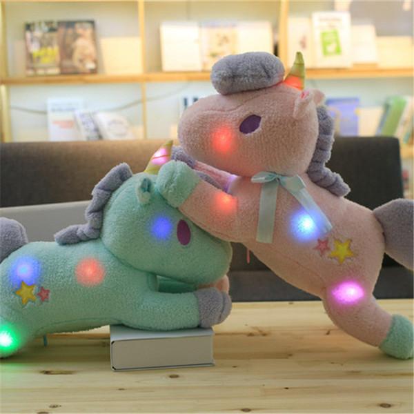 Unicorn Iluminação Brinquedos de Pelúcia Levou Algodão PP Curto Recheado 55 cm de Comprimento Travesseiro Função Crianças Meninas Adultos Aniversário Velentine's Day Presentes Brinquedos