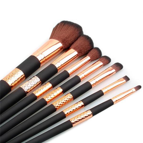 7 unids / set Maquillaje Cepillo Kit Cepillos Mango de Oro Negro para Fundación Corrector de Ojos Eyeliner Cosméticos Pinceles de Maquillaje Herramienta con el Caso