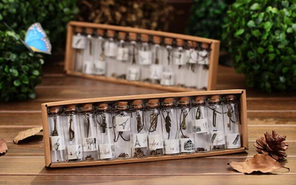 12pcs / Lot Mignon Mini Bouchons En Verre Bouchon En Liège Transparent Avec Pendentif Colliers Charms Pour Cadeau De Décoration De Mariage