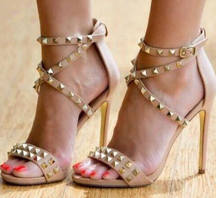 2018 Summer gold rivets stud gladiator sandals cross strappy stiletto high heel party wedding shoes Women spikes sandals