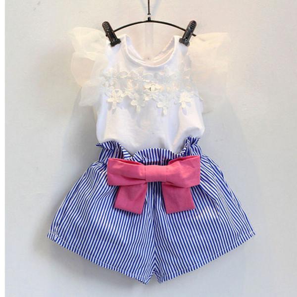 Bebê meninas crianças Two Piece terno 2018 Coreano Menina Rendas Voando Manga T-shirt Stripe Shorts Set Meninas Set Verão