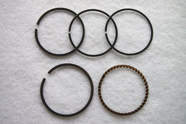 2 X Piston ring set 42mm for Honda GXH50 GXV50 Engine replacement part P/N 13010-ZM7-000
