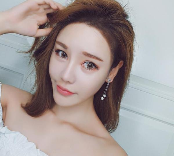 Diamond pierced zircon stud earrings, female temperament simple bow knot asymmetrical Stud Earrings S925 Silver Earrings