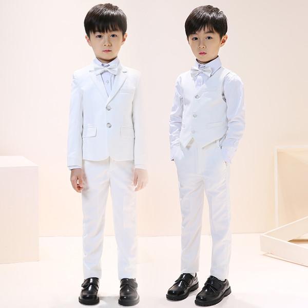 Yeni Tasarım Saf Beyaz Erkek Düğün Çiçek Takım Elbise Çentikli Yaka İki Düğmeler Resmi Çocuklar Satılık Dört Beş Adet Smokin Giymek
