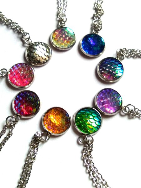 AB Color Mermaid ScalesShiny Pattern Charm Pendant Necklace For Women Multicolor Round Charm Link Chain Necklace Jewelry
