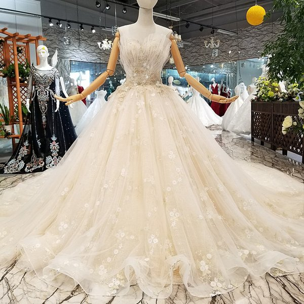 Special Strapless Wedding Dress With Petal