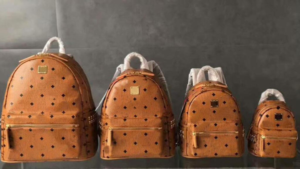 2017 new fashion Korean M punk rivet backpack men's and women's backpack student travel backpack