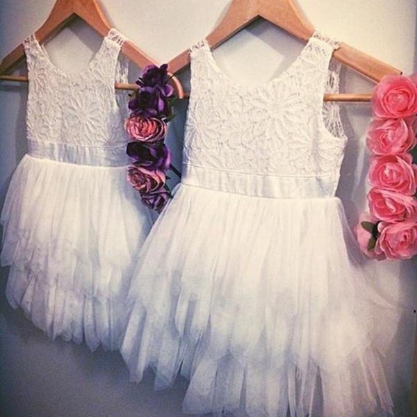 Hot Short Flower Girl Dresses Toddler Tea Length Encaje blanco Volantes Niños Wedding Party Vestido de cumpleaños Toddler Cupcake Vestidos