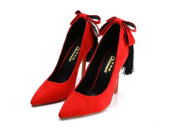 Kırmızı Faux Süet Stiletto Topuklu Kadın Ayakkabı Çivili Kelebek-Düğüm Saçak Yüksek Topuklar Ayakkabı Seksi Sivri Burun Kadın Saçak Pompaları