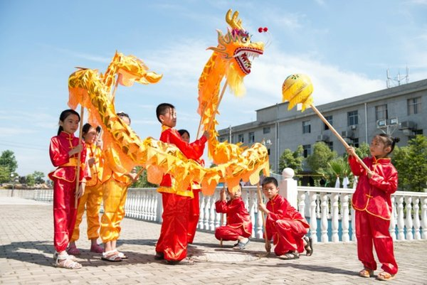 bce3cfb1a 5.5M 6 kid CHINESE DRAGON DANCE gold-plated Folk Festival Celebration  Costume loong costume
