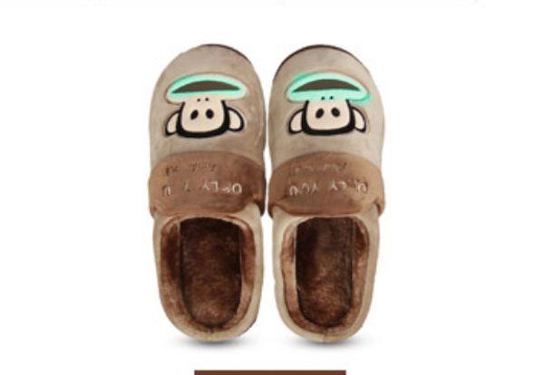 2018 Brand New Home Men Women Pa ul Fr ank Plush Slippers, thick bottom, fashion plush warm cotton slippers.