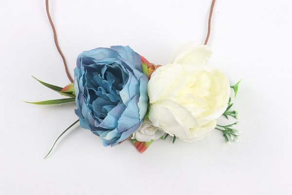 White + blue (big peony flower)