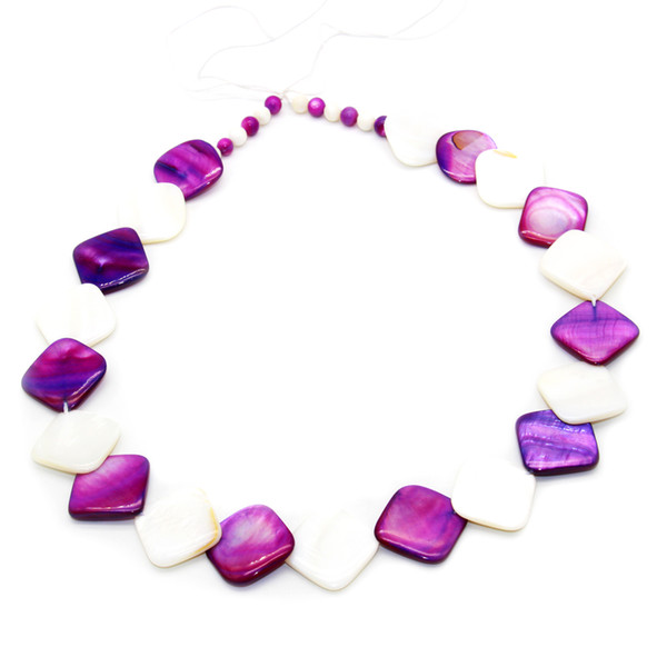 top popular Fashion charm shell jewelry natural dyed square freshwater oyster shell necklace short style high quality shell necklace 2021