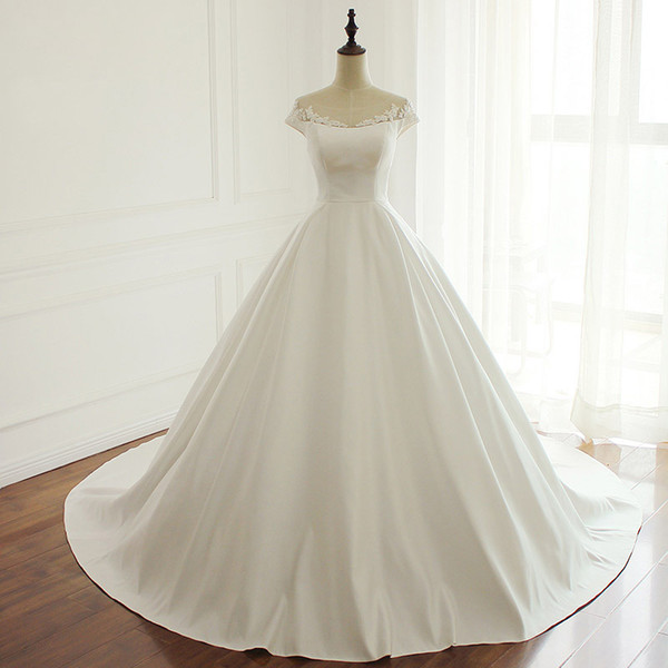 Vintage Ball Gown Wedding Dresses Bridal Gowns Scoop Cap Sleeves Court Train Satin Sheer with Applique Bridal Gowns