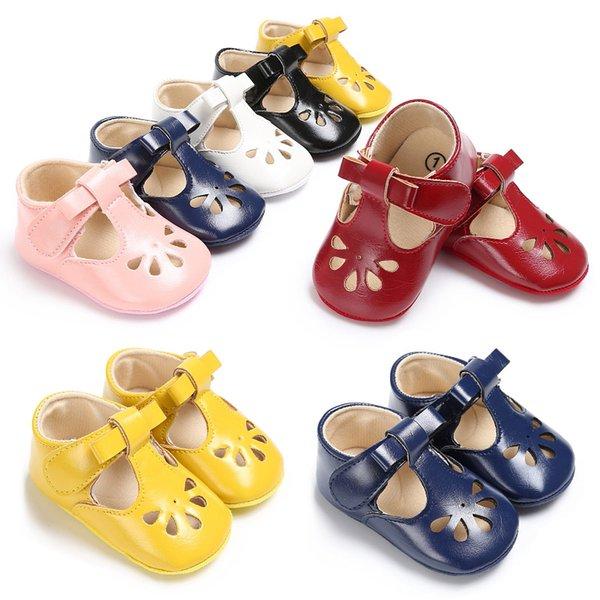 Sapatos de bebê, cola, sapatos de criança baixa, sapatos de bebê de fundo macio. primeiro caminhante