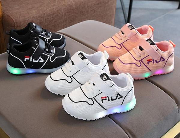 Enfants Bébé Bébé Filles Cristal Bowknot LED Bottes Lumineuses Chaussures Baskets Diamant Noeud Papillon Petites chaussures blanches
