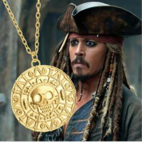 Film Ornaments Caribbean Pirates Round Necklace Gold Coins Men Skull Pendant Necklace Collier Femme Kolye Men's Pendant