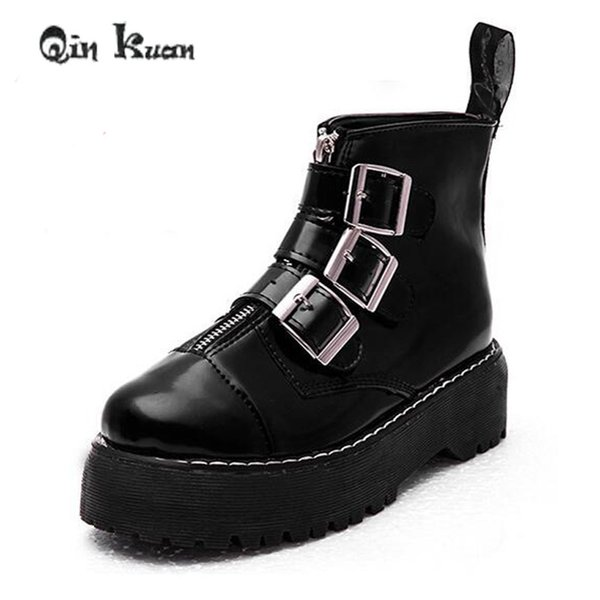 Qin Kuan Women British Style Martin Boots Lady Belt Buckle Ankle Boots Girl Zipper Platform Ankle Motorcycle Shoes 35-39